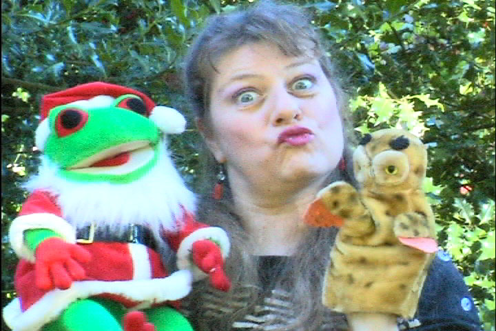 <i>mel owl & santa frog photo</i>